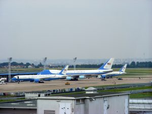 Air_Force_One_and_Air_Force_Two_at_Paris_Orly